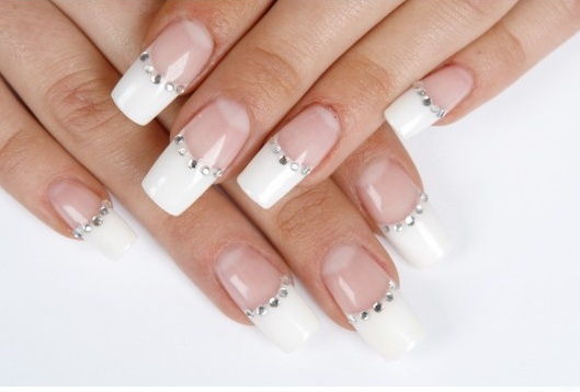 French-manicure-with-gray-crystals.jpg